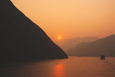 Yangzi Sunrise