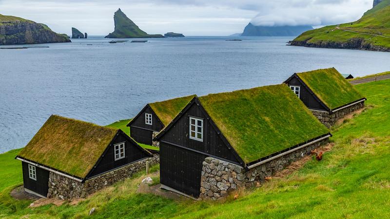 Faroe Islands-Sørvágur-Drangarnir and Tindhólmur
