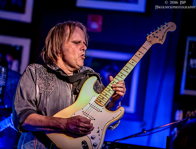 4/8/16 Walter Trout Band at the Funky Biscuit