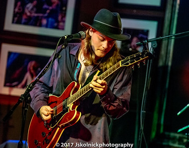 1/18/17 JL Fulks At the Funky Biscuit opening for Tab Benoit