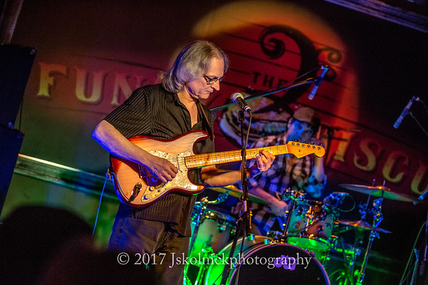 2/18/17 Sonny Landreth at the Funky Biscuit