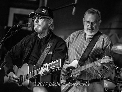 3/16.17 Dion sits in with David Bromberg at the Funky Biscuit