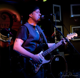 8/13/18 Mon Jam at Biscuit with Joel DaSilva feat artist photos by Janine Mangini