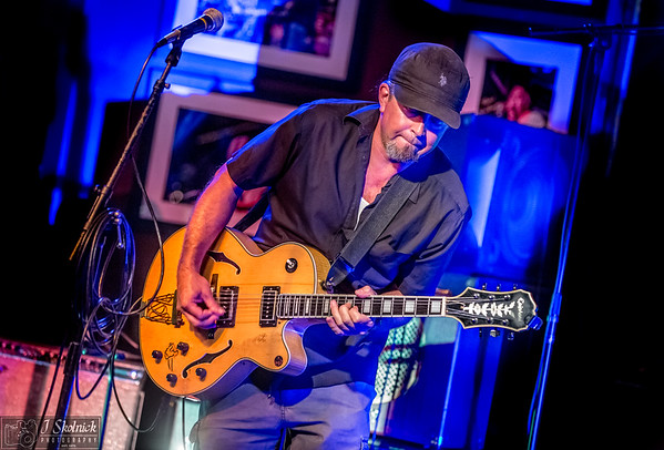 5 21 17 JP Soars South Florida Blues Society Guitar Showcase at Funky Biscuit