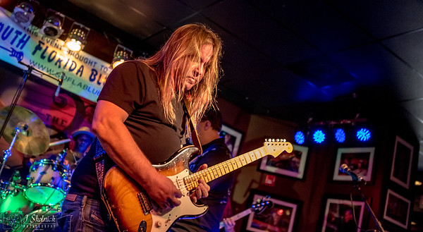 5 21 17 Eric Austin South Florida Blues Society Guitar Showcase at Funky Biscuit
