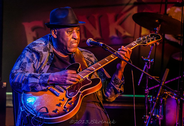 11/8/13 Joey Gilmore opens for Jimmy Thackery at the Funky Biscuit