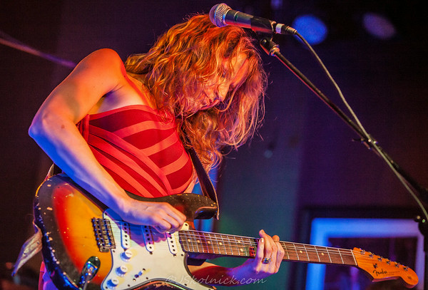 9/13/13 Ana Popovic at The Funky Biscuit