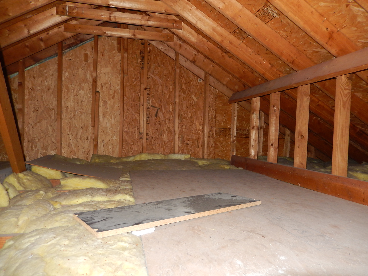 Attic area, 3x3 entrance