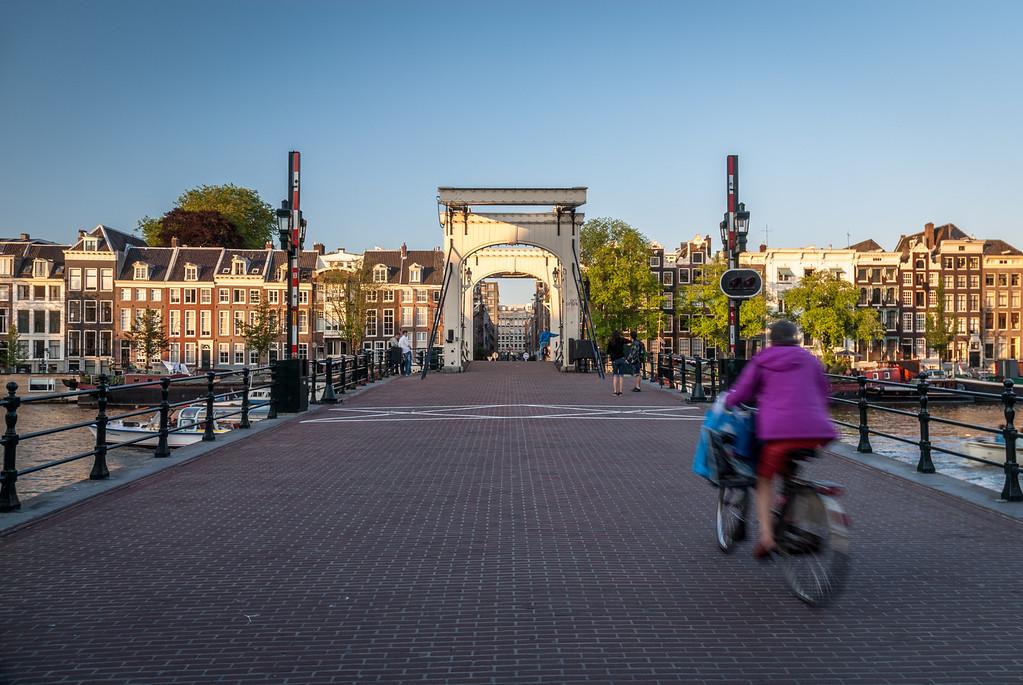 Crossing Over, Amsterdam