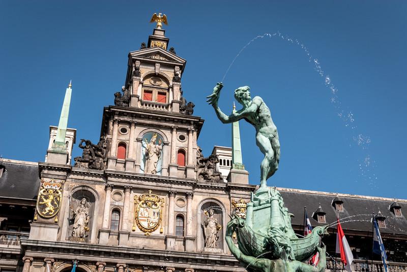 The Hand Throw, Antwerp