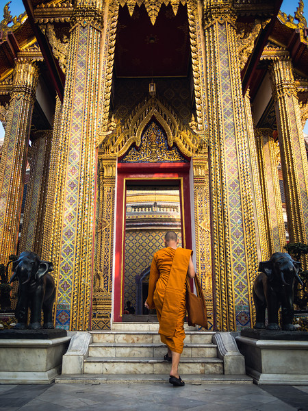 Going to Worship, Wat Ratchabophit, Bangkok