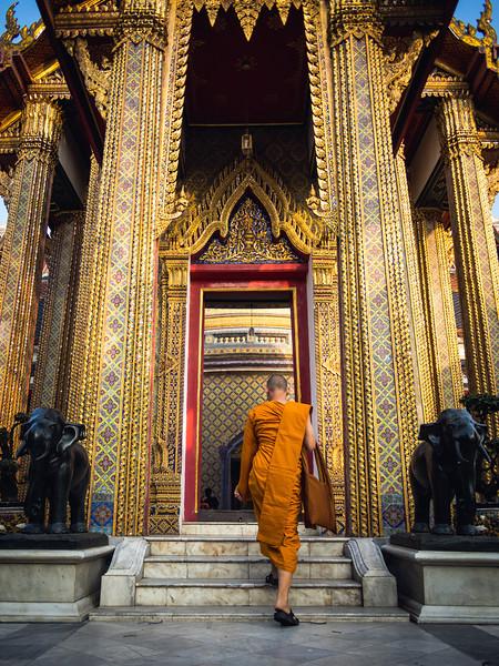 Going to Worship, Wat Ratchabophit, Bangkok