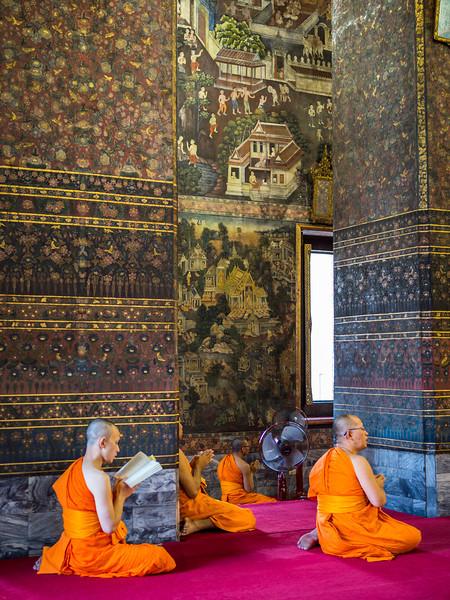 Chanting Monks, Wat Pho, Bangkok