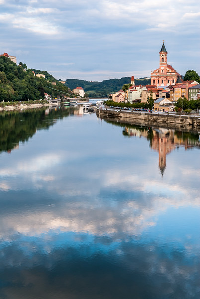 Between Two Skies, Passau