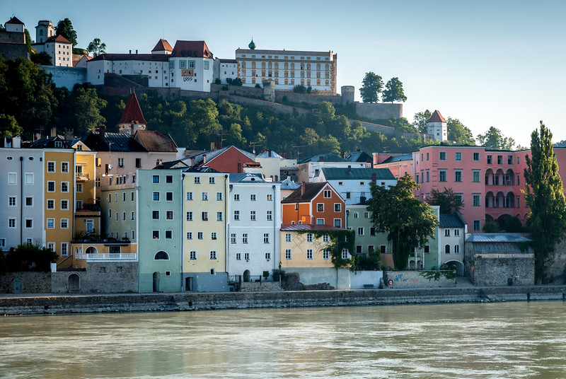 Morning Light on the Riverside, Passau