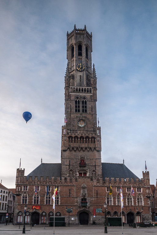 Balloon and the Belfry, Bruges