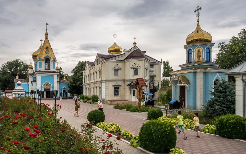 At the Catedrala Episcopală Sf. Teodor Tiron, Chisinau, Moldova