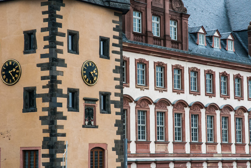 Windows and Clocks, Frankfurt