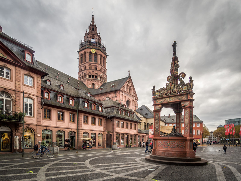 The Cathedral and the Well, Mainz
