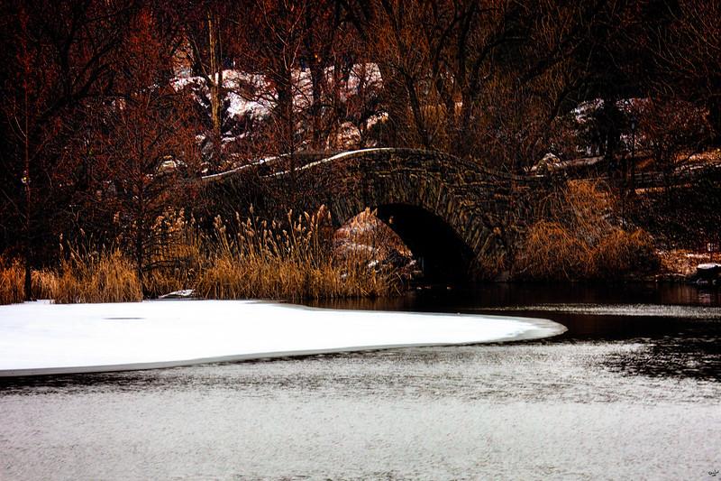 Gapstow Bridge in Winter