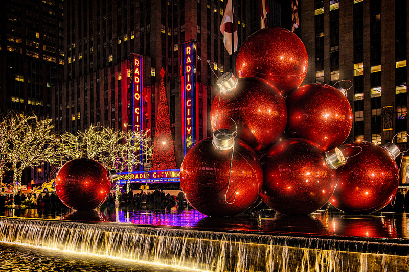 Holiday Decorations on 6th Avenue and Radio City Music Hall