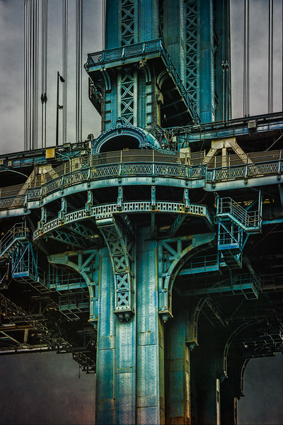 Manhattan Bridge Tower
