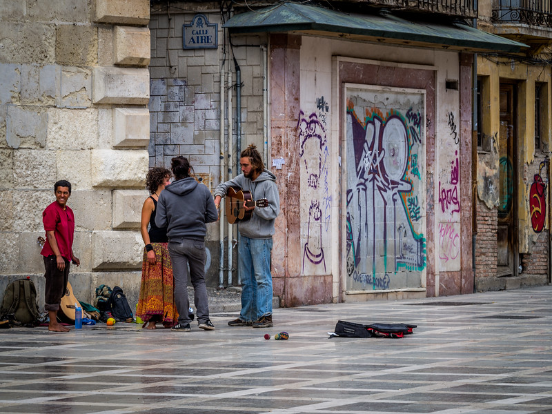 Buskers and Beggars, Granada
