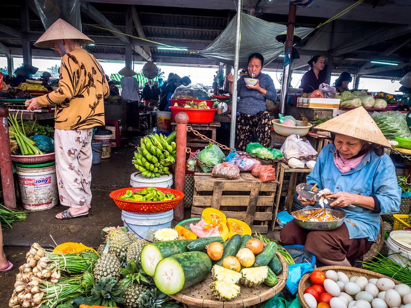 Market Women, Hoi An, Vietnam