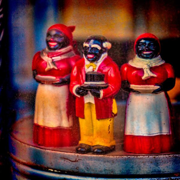 Shop Window Vintage Figurines