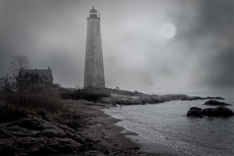 New Haven Lighthouse Mono