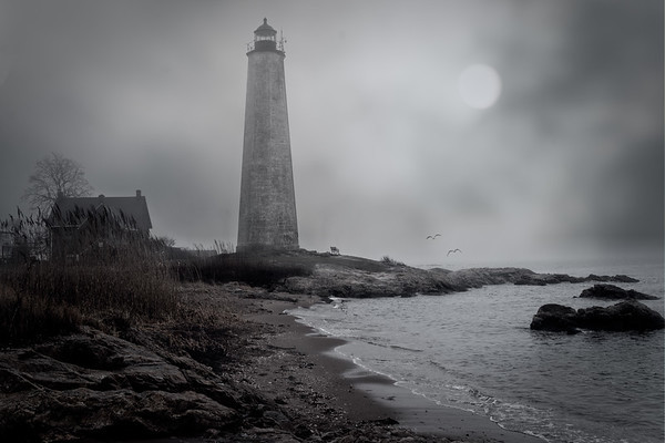 New Haven Lighthouse Mono