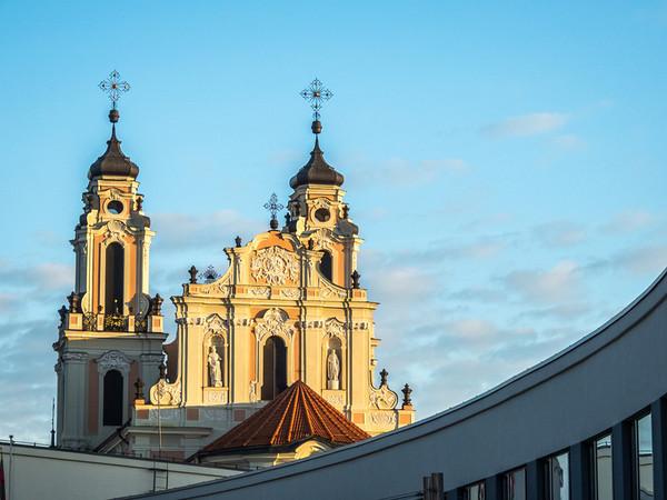 Šv. Kotrynos bažnyčia at Dawn, Vilnius