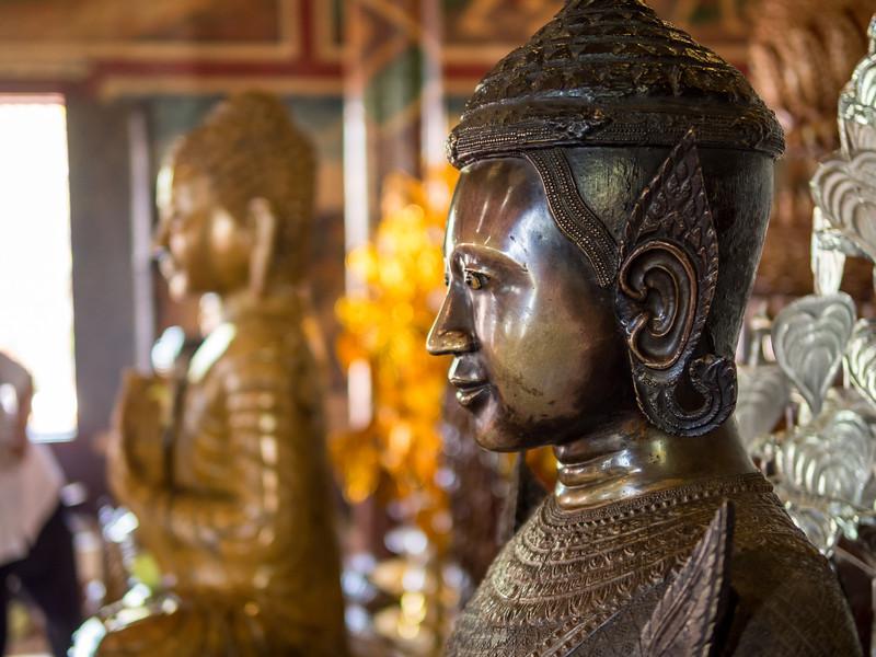Statue Profile, Wat Phnom, Phnom Penh
