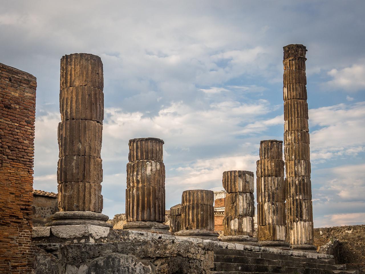 Pillars, Pompeii