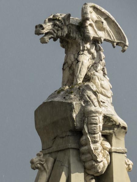 Crumbling Dragon, Riga