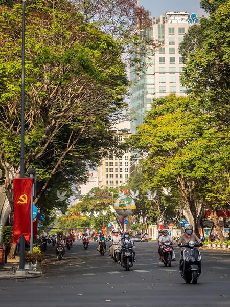 Passing through the Park, Saigon