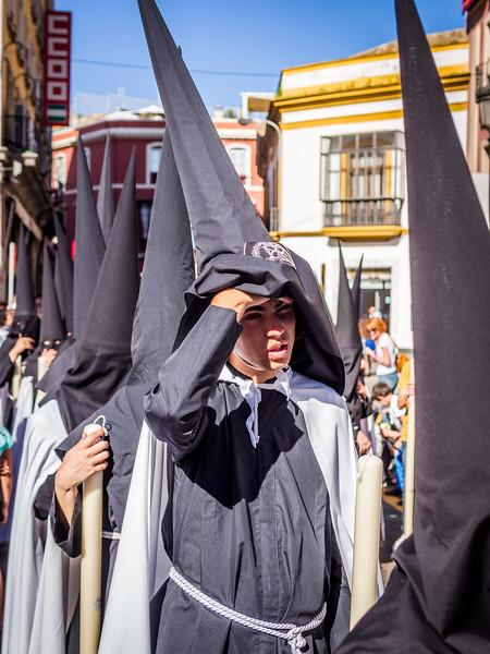 Sneaking a Peek, Seville