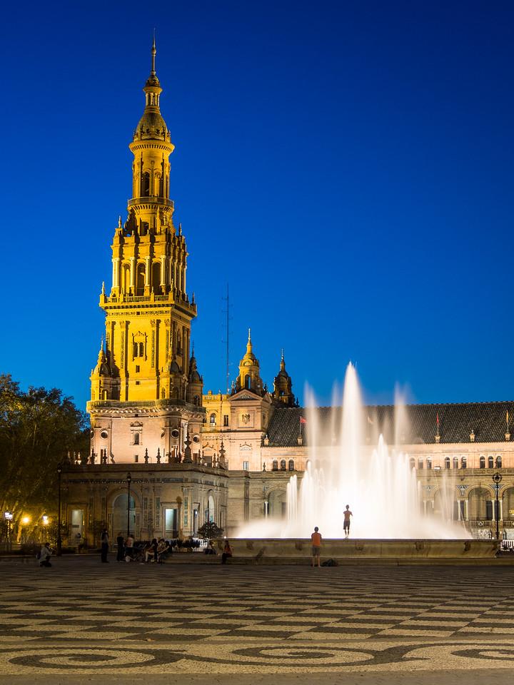 Night on the Fountain of the Plaza de España, Seville