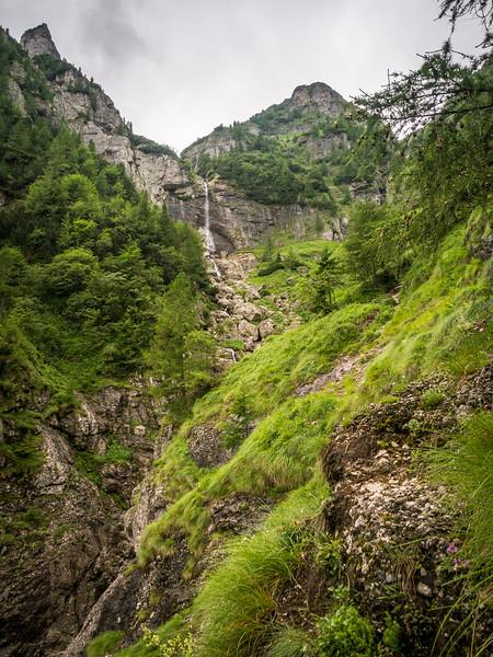 Waterfall in the Green, Bucegi