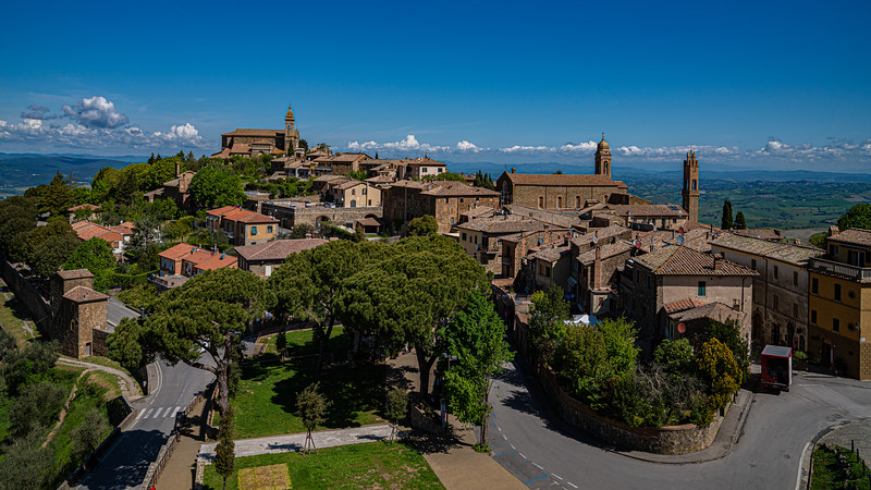 Citta Di Montalcino, A Hilltown With It's Own Fortress