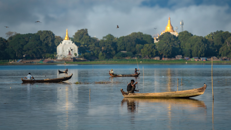 Taung Tha Man Lake, Mandalay, Myanmar, December 2018
