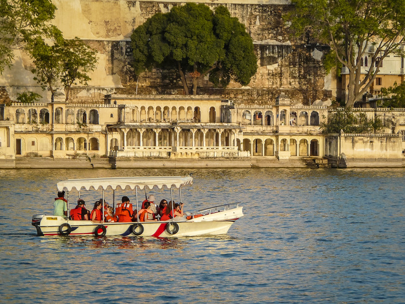 Boaters Against the Ghats, Udaipur, India