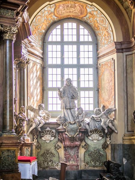 Statue in the Window, Wrocław