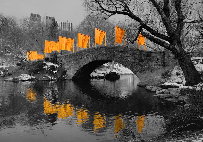 Gapstow Bridge: Black and White with Gates