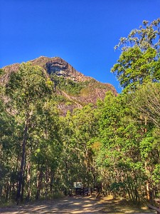 Beerwah on approach