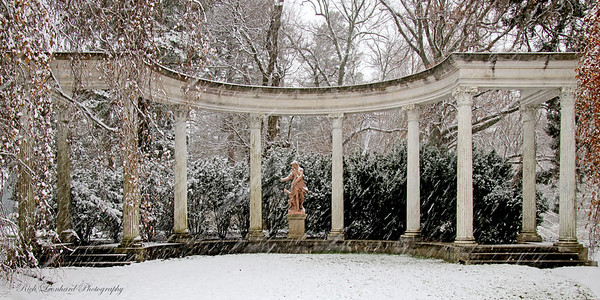 Colonnade at Old Westbury Gardens. 2017
