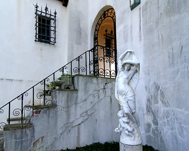 Statue in front of stairway at the Vanderbilt Estate in Centerport,NY.