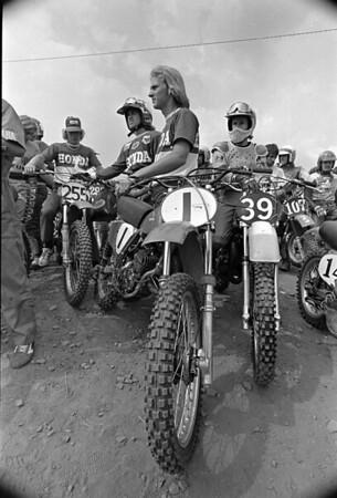 1975 125cc National Motocross start line