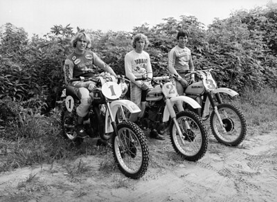 1976 AMA Outdoor National Motocross Champions USA (1) 250cc Kent Howerons, Husqvarna, (2) 125cc Bob Hannah, Yamaha -shown on  YZ250; 3. 500cc, Tony Distefano, Suzuki.