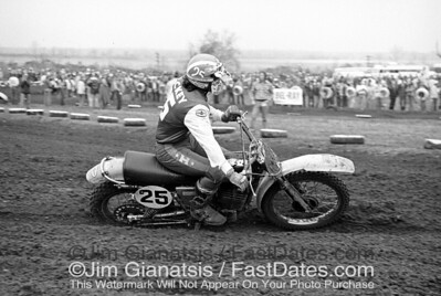 Brad Lackey, Husqvarna CR360 at the 1975 St. Louis Trans-AM.